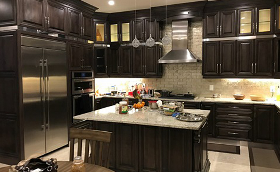 Custom Kitchen Cabinets Brampton Toronto Mississauga Burlington Niagara Waterloo London Oakville Hamilton Ontario